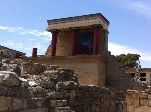 קנוסוס. אתר עתיקות מרהיב. צילמה את ארמון המלך מינוס ענת מנדל