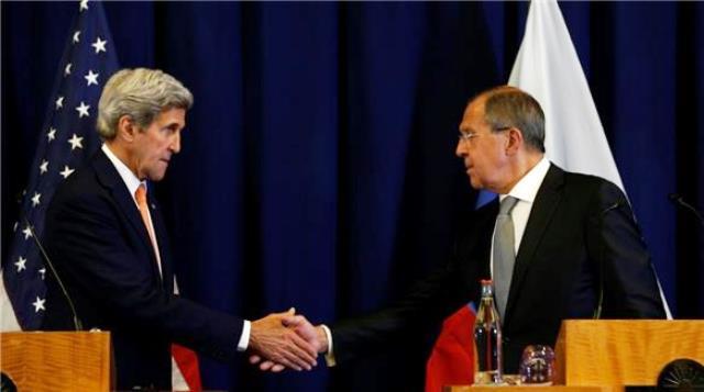 הכריזו על מתווה סיום לוחמה בסוריה סרגי לברוב (ימין) וג'ון קרי (צילום מסך אל ג'זירה)
