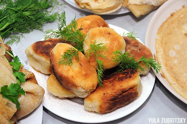 פירושקי תפוחי אדמה במילוי בשר. צילום :יולה זובריצקי