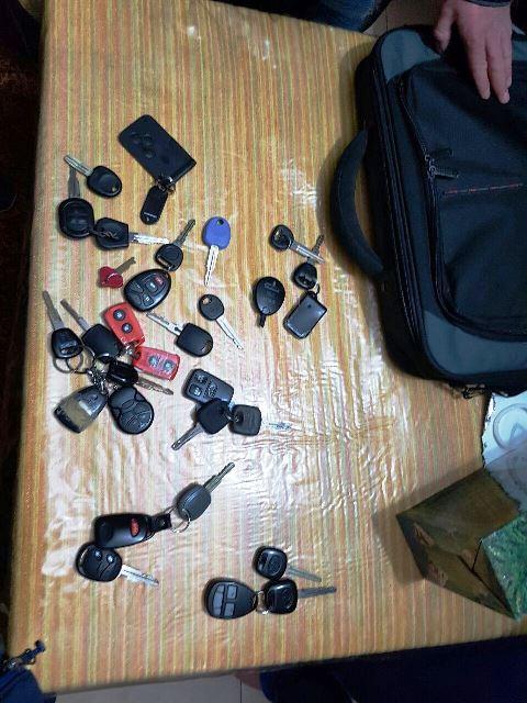 מפתחות רכבים שנתפשו (צילום: דוברות המשטרה)