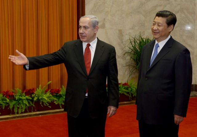 """ראש הממשלה נתניהו ונשיא סין שי ג'ינפינג בביקורו האחרון של נתניהו בסין בנימין נתניהו ושי ג'אנפינג (צילום: אבי אוחיון/לע""""מ)"""