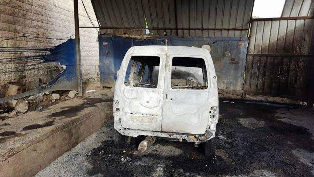 הרכב השרוף (צילום - רבנים לזכויות אדם)