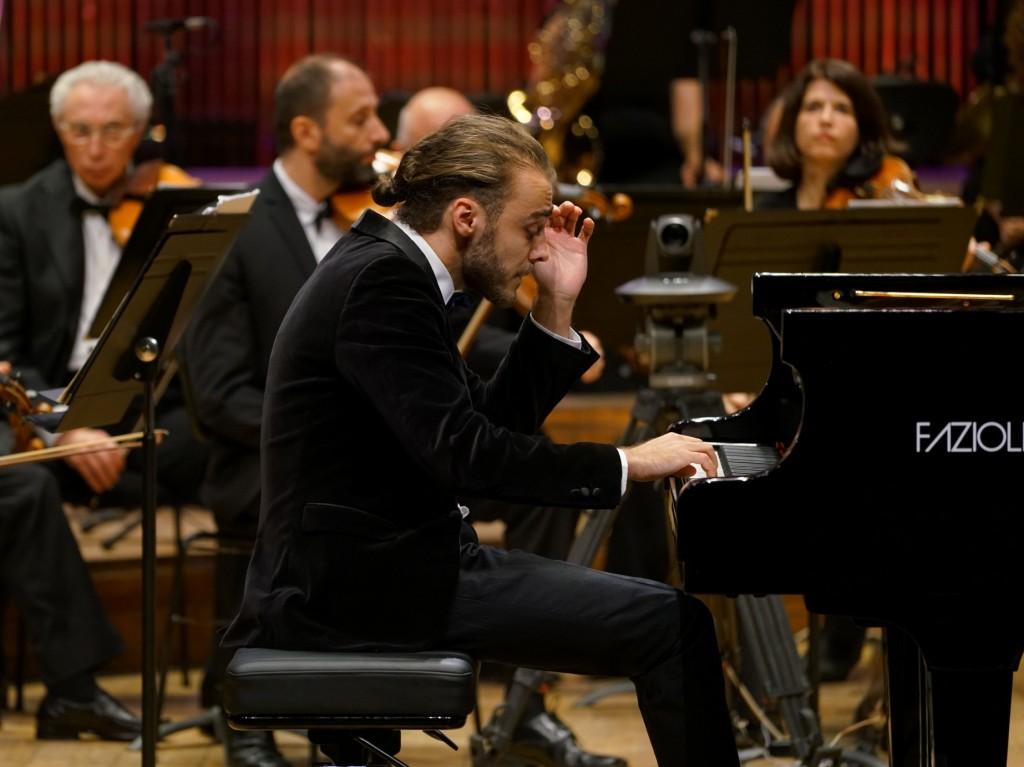 דניאל פטריקה צ'ובאנו ניגן כאילו המוזיקה היא עצם מעצמותיו, קרדיט יגאל מריון