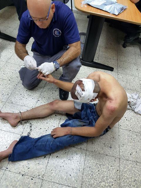 """הפלסטיני שדקר (צילום: תעוד מבצעי מד""""א)"""