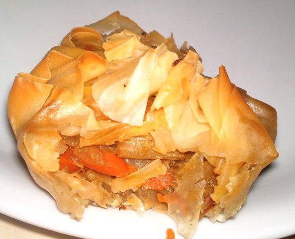 ירקות רכים במעטה קרנצ'י של בצק פילו