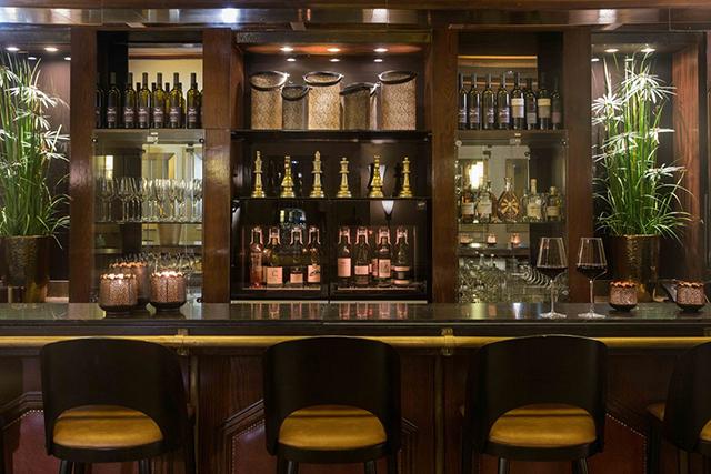 """מלון דן אכדיה בהרצליה משיק את """"אכד"""" בר יין חדש"""