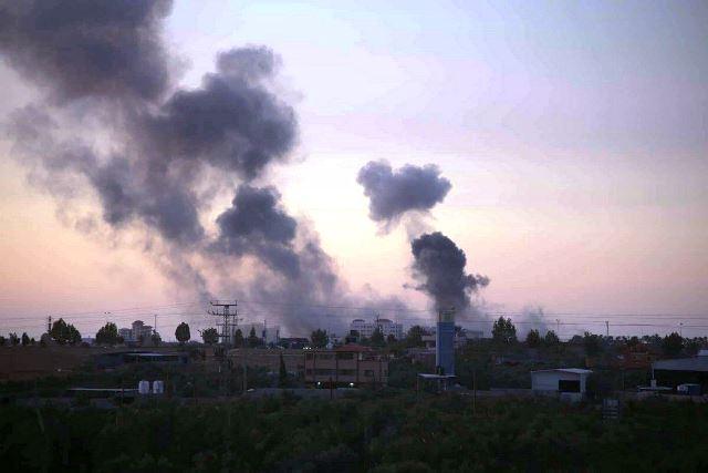 ענני עשן ההפצצות (צילום: גלובל סיטס)