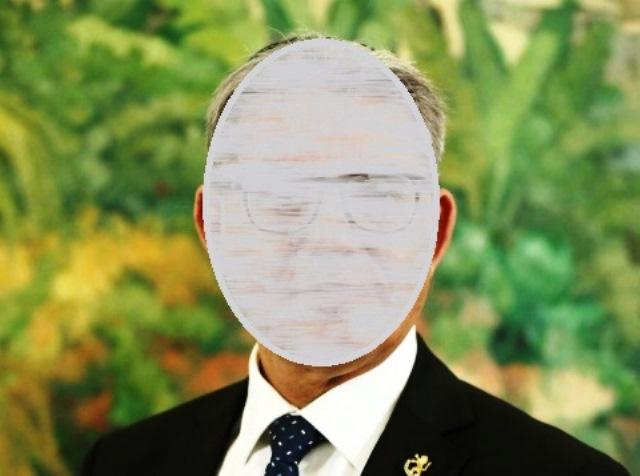 """הבכיר (תמונת יח""""צ ממטה הבחירות שלו)"""