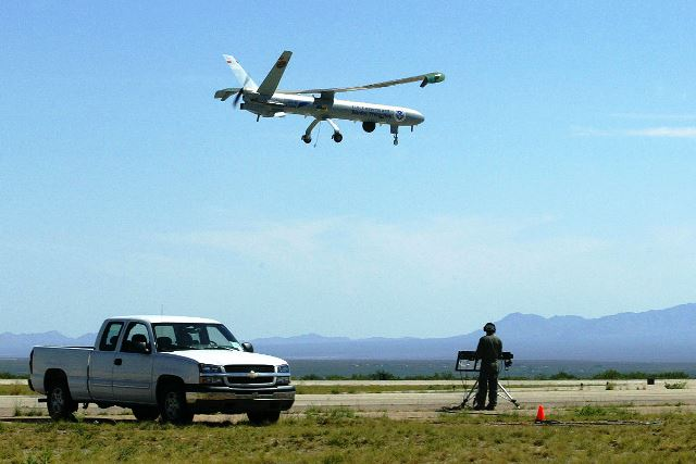 הרמס 450 בטיסת ניסוי (צילום: אלביט)