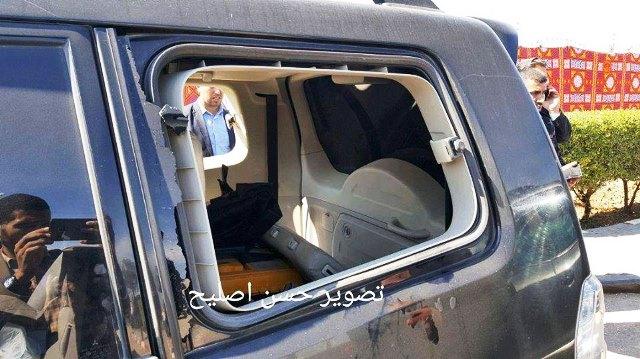 רכב השיירה לאחר הפיגוע (צילומים: תקשורת פלסטינית)