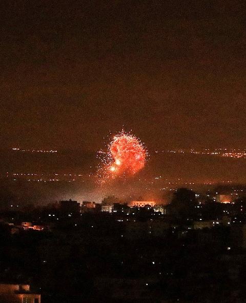 תקיפות בעזה (צילום: Gazalalan - Gaza now)