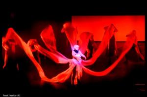 מחול הצעיפים האדומים מדם, סלומה, צילום יוסי צבקר