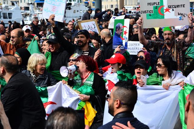 הפגנות תמיכה במפגיני אלג'יר