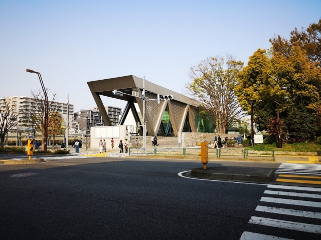 """שווה ביקור: המוזיאון לאמנות עכשווית של טוקיו """"MOT"""" נפתח מחדש"""