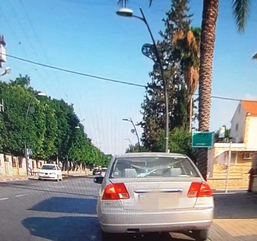 הרכב האחר בו נהגה שוב הנהגת פסולת הרישיון (צילום: משטרת ישראל)