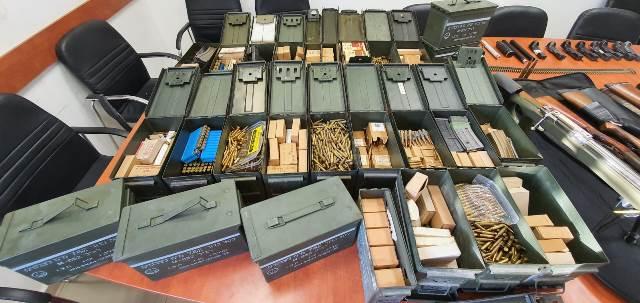 כמות ענק של תחמושת (צילום: דוברות משטרת ישראל)