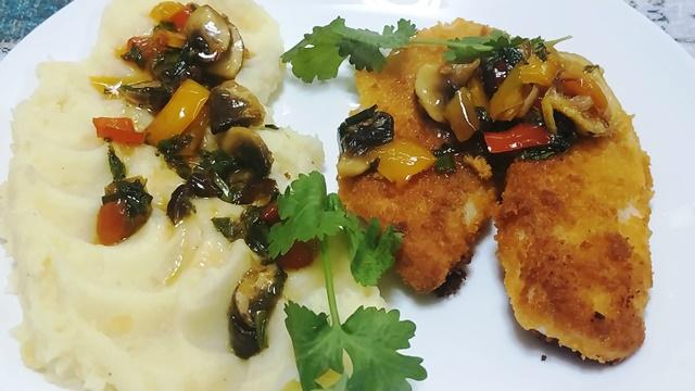 דג מטוגן בשמן (צילום: טלי גרופית)