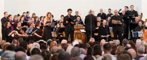 מיכאל שני מנצח על המקהלה הקאמרית תל אביב