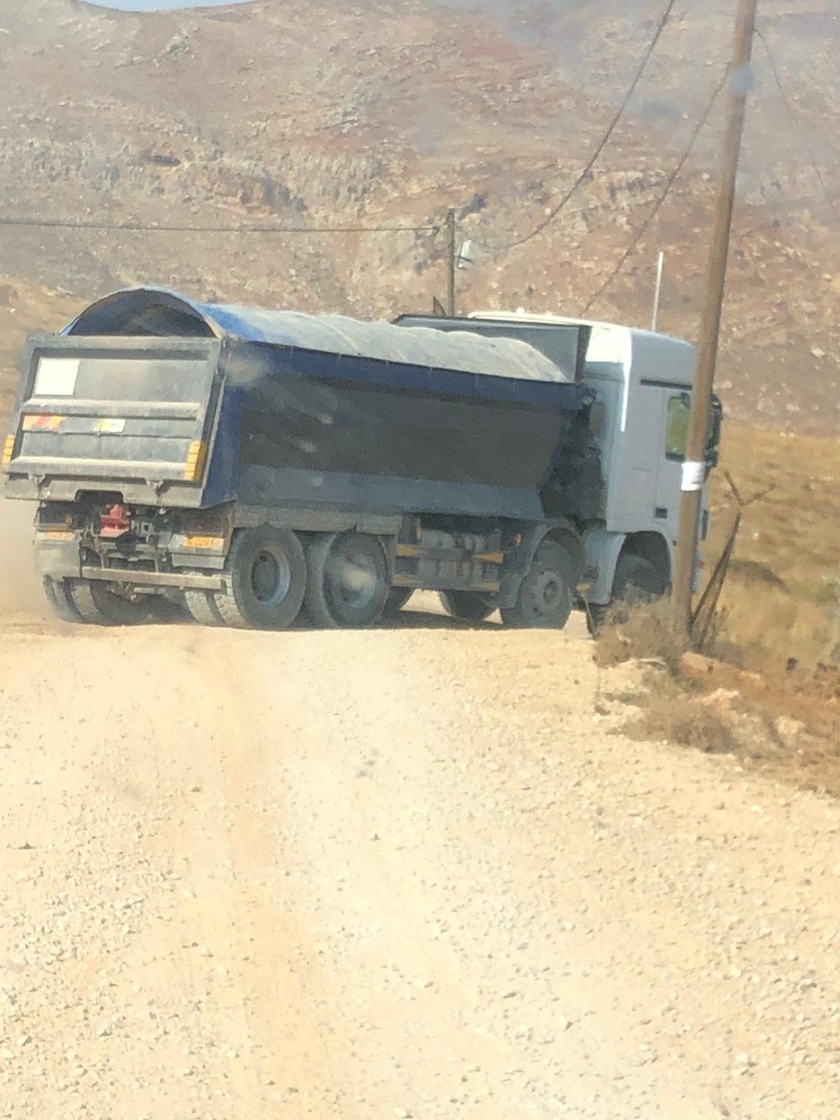 אחת המשאיות (צילום: דוברת המשטרה)