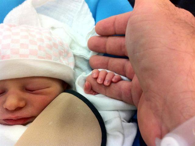אצבעות של תינוקת