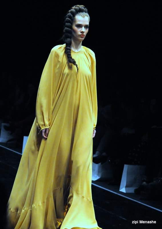 שמלת מקסי בגזרת כותונת אצל נתנאל זיקרי