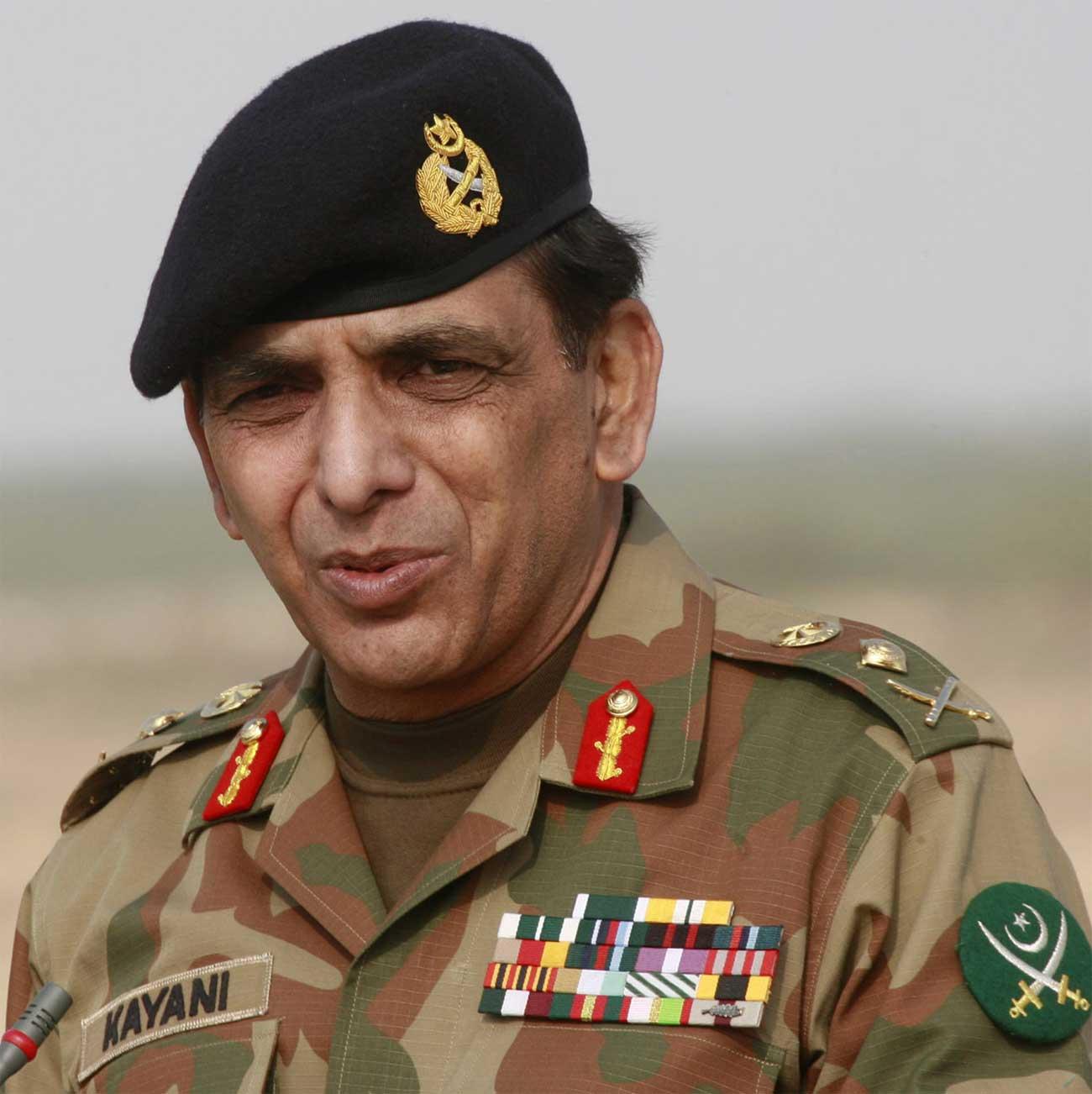 """הסלמה: פקיסטן תציב נ.מ בגבולה עם אפגניסטן בתגובה לתקיפת נאט""""ו"""