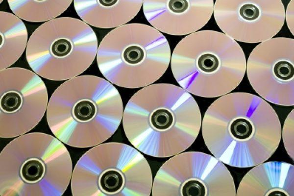 נזקי הזיופים בענפי המוזיקה והקולנוע: כ-160 מיליון דולר בשנת 2011