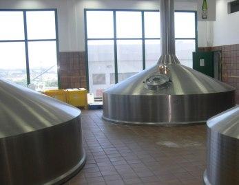 חדר תסיסת הבירה של מבשלות בירה ישראל באשקלון