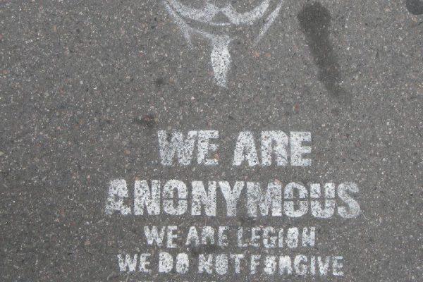 ארגון אנונימוס משיב מלחמה