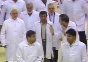 הנשיא אחמדינז'אד בביקור קודם בכור בבושהר
