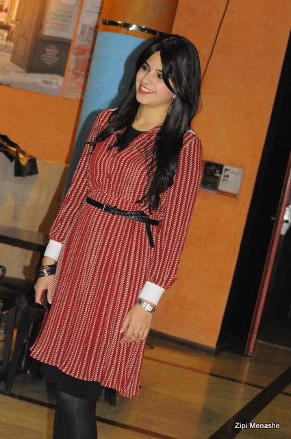 שמלת וינטג' מעולה באירוע סטייליש