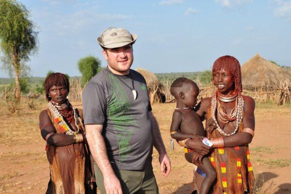 משלחת צלמים ישראלית הצילה ילד באתיופיה מעיוורון