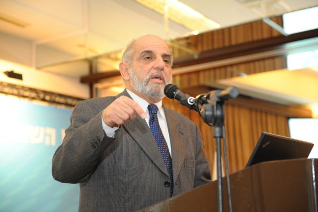 הכלכלן שלמה מעוז בכנס התאחדות סוכני הנסיעות 2012 באילת