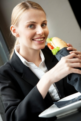 יום האישה: מה נשים אוכלות?