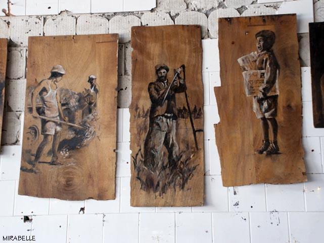 עבודות של אניטה ארבע שמוצגות בחלל הקונטיינר