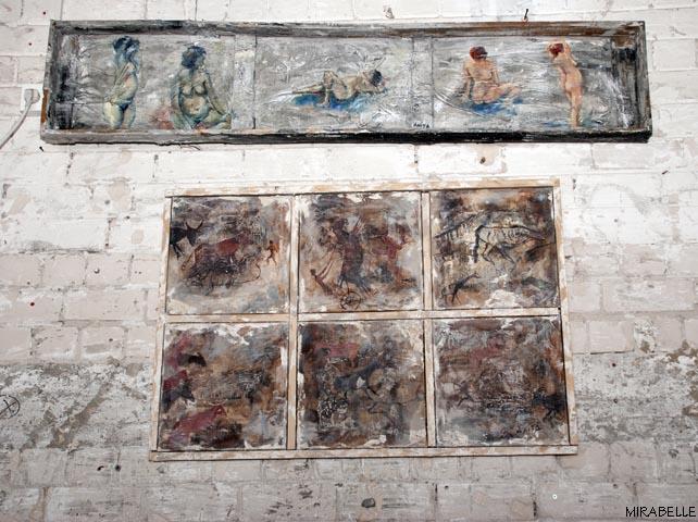 עבודות של אניטה ארבע שמוצגות בחלל המסעדה