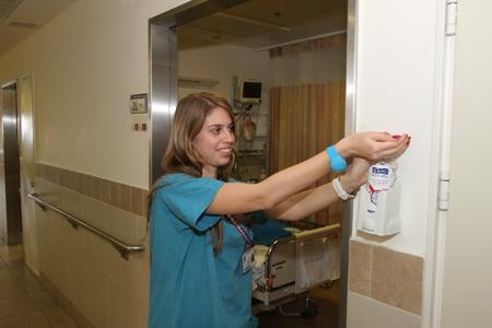 שימוש במערכת הניטור בבית חולים רמב