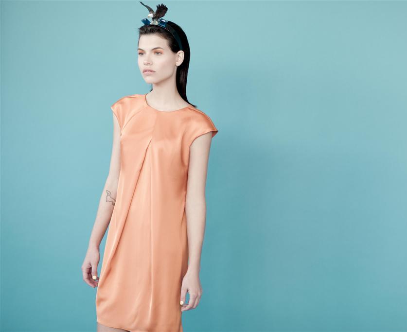 שמלת אפרסק של ארז עובדיה ל-ALBA