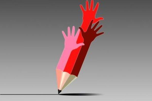 עפרונות וידיים