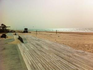 העבודות בחוף הנפרד בבת ים. צילום סטודיו בת ים