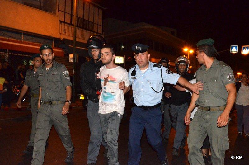 מעצרים  אחרי ההפגנה בשכונת התקווה (צילום: רפי מיכאלי)