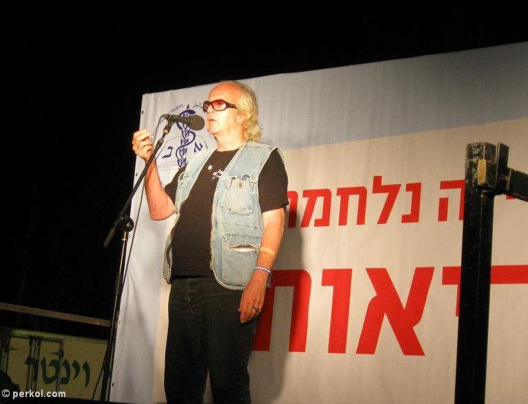 נתן זהבי בהפגנה למען המתמחים, 2011