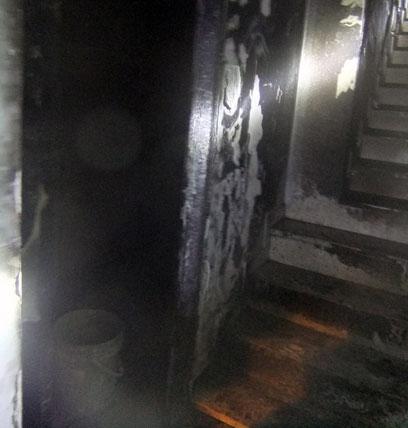 הנזק הכבד שנגרם לדירה (צילום: שירותי כבאות ירושלים)