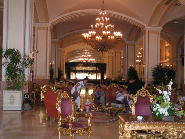 ישראלים במלון הקרמלין באנטליה. האם ישובו ללובי? (צילום: עירית רוזנבלום)