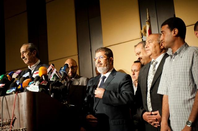 מועמד האחים המוסלמים מוחמד מורסי במסיבת עיתונאים בקהיר ביום שישי האחרון (James Lawler Duggan/MCT via Getty Images)