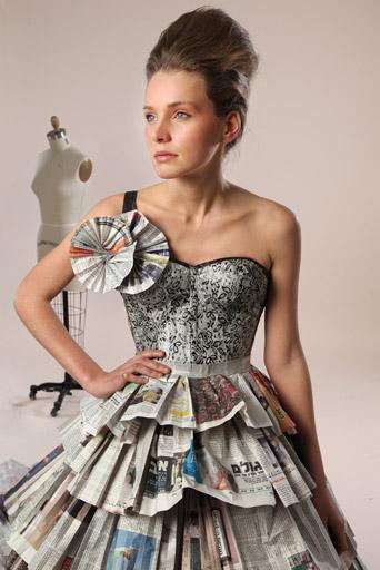 שמלת כלה אקסטרווגנטית בסגנון כריסטיאן דיור. עיצוב: אריאל טולדנו ושני בלומנפלד. צילום: תמי דהן