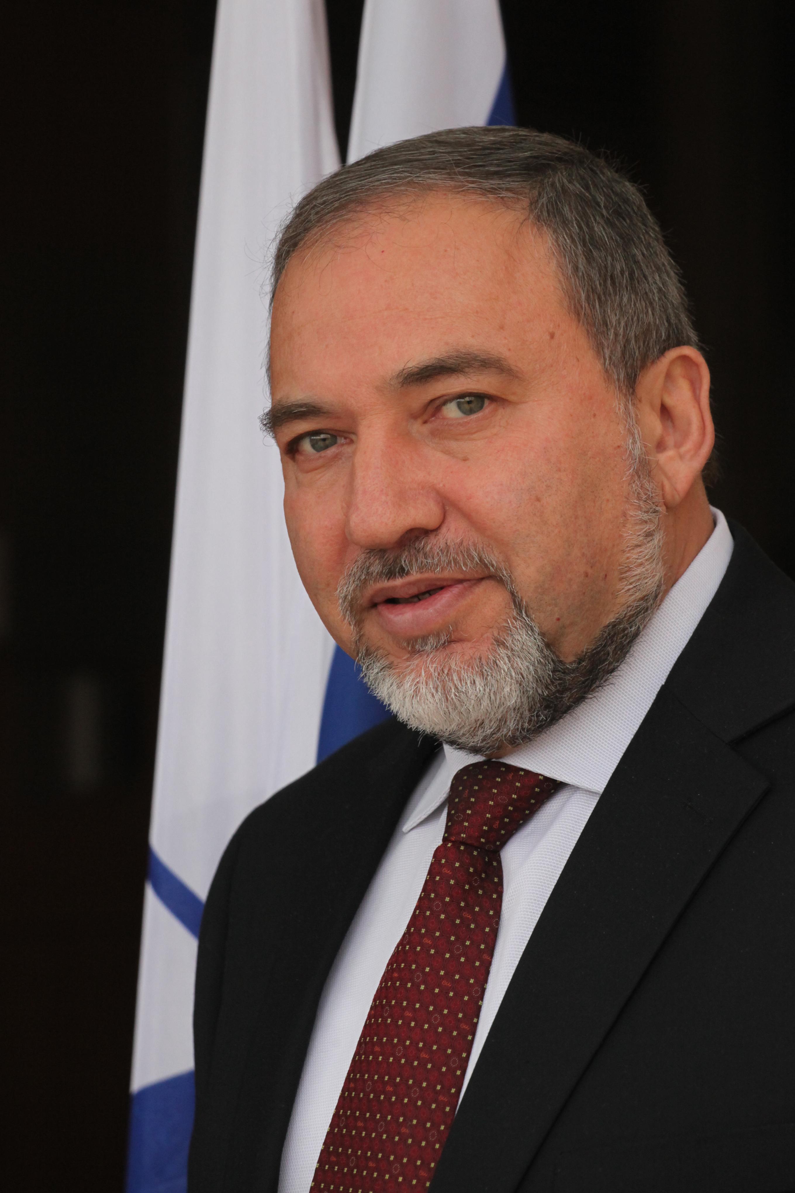 ליברמן: רוצים לראות את הנשיא מורסי בירושלים כאורח הנשיא פרס
