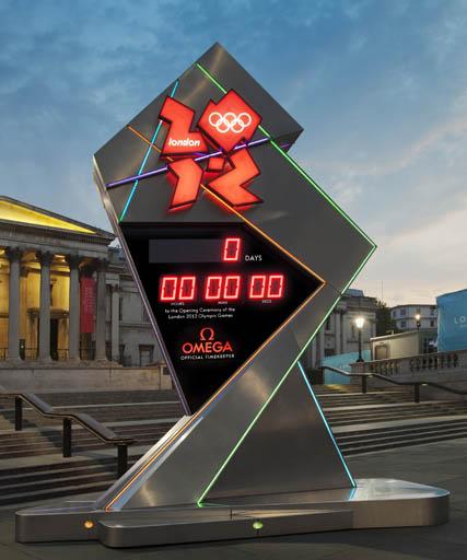 Let the games begin. שעון אומגה דיגיטלי גדול שהוצב בכיכר טרפלגר וספר את הזמן שנותר עד לפתיחת המשחקים האולימפיים בבירת בריטניה. צילום: OMEGA