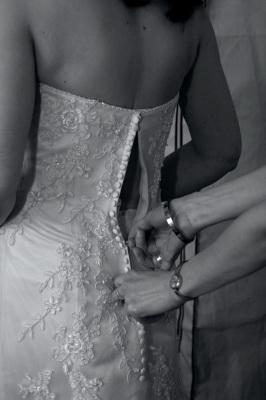 הדרך לחתונה רצופה בהמון זועם