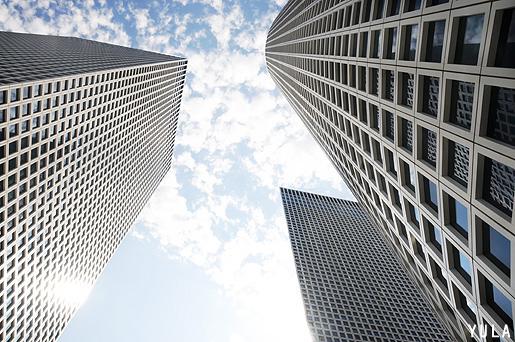 הגיאומטריה של מגדלי עזריאלי. מראה מגג הקניון. צילום: יולה זובריצקי